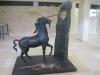 """Скульптура Дали """"Единорог"""" в учебном здании института им. Вейцмана"""